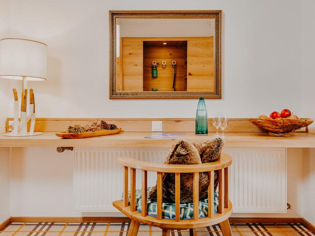Hotelzimmer Tisch Hotel Sendlhofers