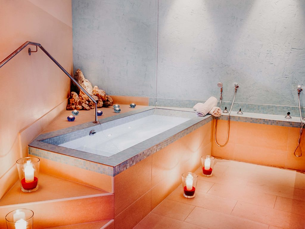 Radonbecken im Wellnessbereich Hotel Sendlhofer's Bad Hofgastein
