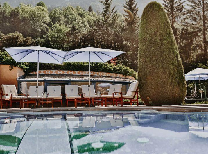 Liegen am Outdoor Pool Hotel Sendlhofer's Bad Hofgastein