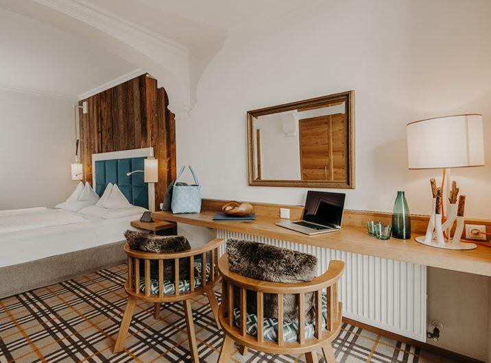 Schlafzimmer Spacious Hotel Sendlhofer's Bad Hofgastein