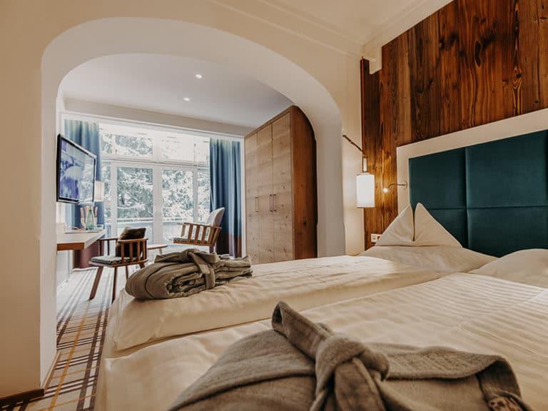 hotel-sendlhofers-bad-hofgastein-schlafzimmer_spacious (1)
