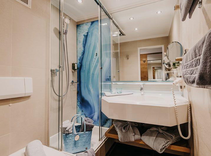 Badezimmer Schlafzimmer Spacious Hotel Sendlhofer's Bad Hofgastein