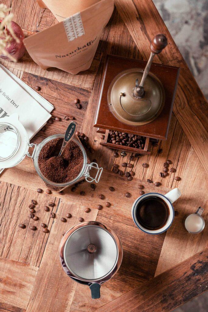 Sendlhofers Bad Hofgastein Kaffeepulver und Kaffeetasse